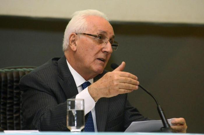 Entrevista com Ministro Ruy Rosado de Aguiar Júnior